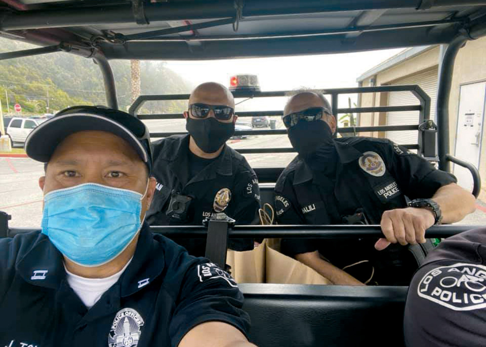 lapd-reserves-go-above-and-beyond-during-covid-19-25-captain-jonathan-tom-west-los-angeles-area-thanks-reserve-police-officers-bernard-khalili-and-george-alwan-will-rogers-state-beach